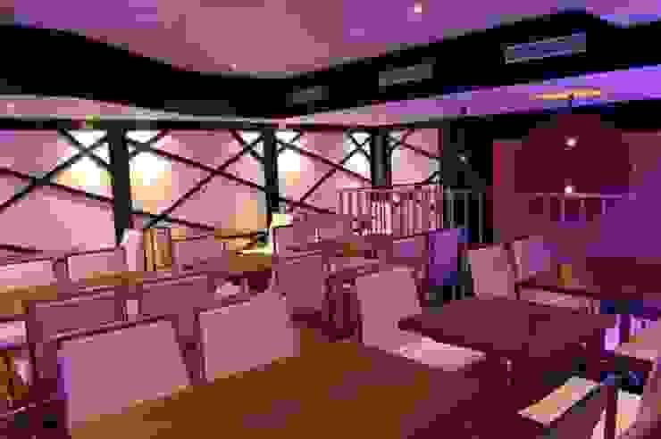 Restaurant – Lounge Sabor Gastronomía de estilo moderno de FrAncisco SilvÁn - Arquitectura de Interior Moderno