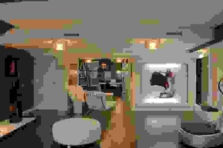 Modern commercial spaces by FrAncisco SilvÁn - Arquitectura de Interior Modern