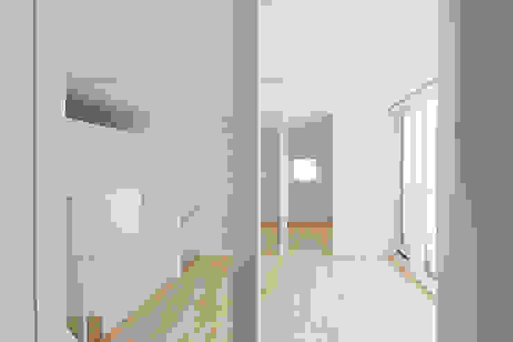 一色玲児 建築設計事務所 / ISSHIKI REIJI ARCHITECTS Modern nursery/kids room