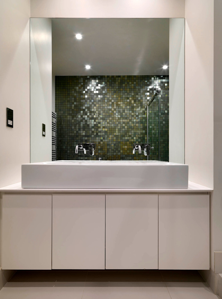 Belsize Park Gardens Bathroom by Living in Space