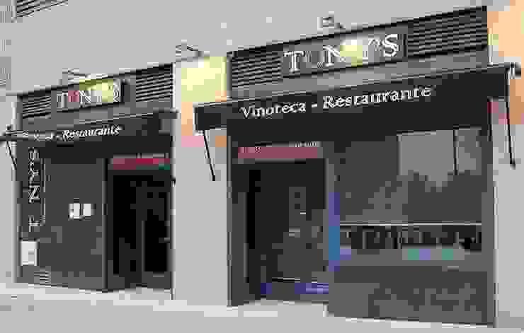Vinoteca - Restaurante Tony's Gastronomía de estilo moderno de FrAncisco SilvÁn - Arquitectura de Interior Moderno