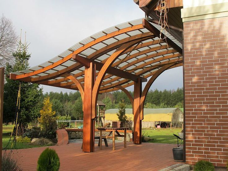​S-line Pergola 庭院 根據 EcoCurves - Bespoke Glulam Timber Arches