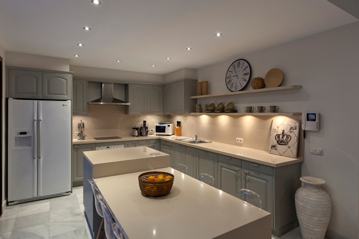 Minimalistische Küchen von Originals Interiors Minimalistisch