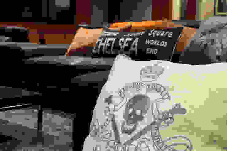 Tv & play room Salones de estilo moderno de Originals Interiors Moderno