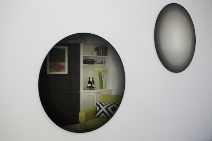 Illusion mirrors Modern living room by Cassidy Hughes Interior Design Modern