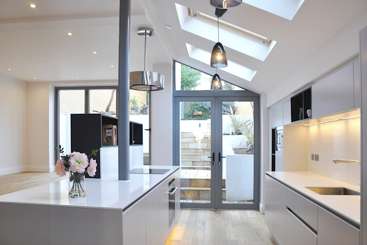 Kitchen in new extension Moderne keukens van homify Modern