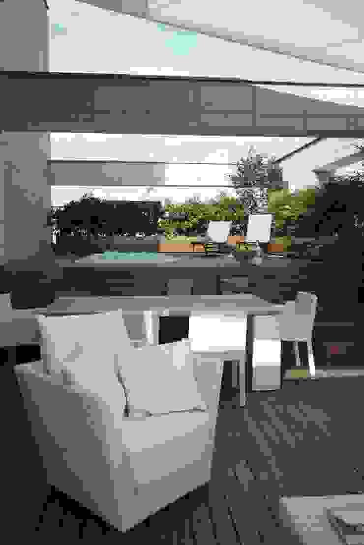 modern  by architetto, Modern