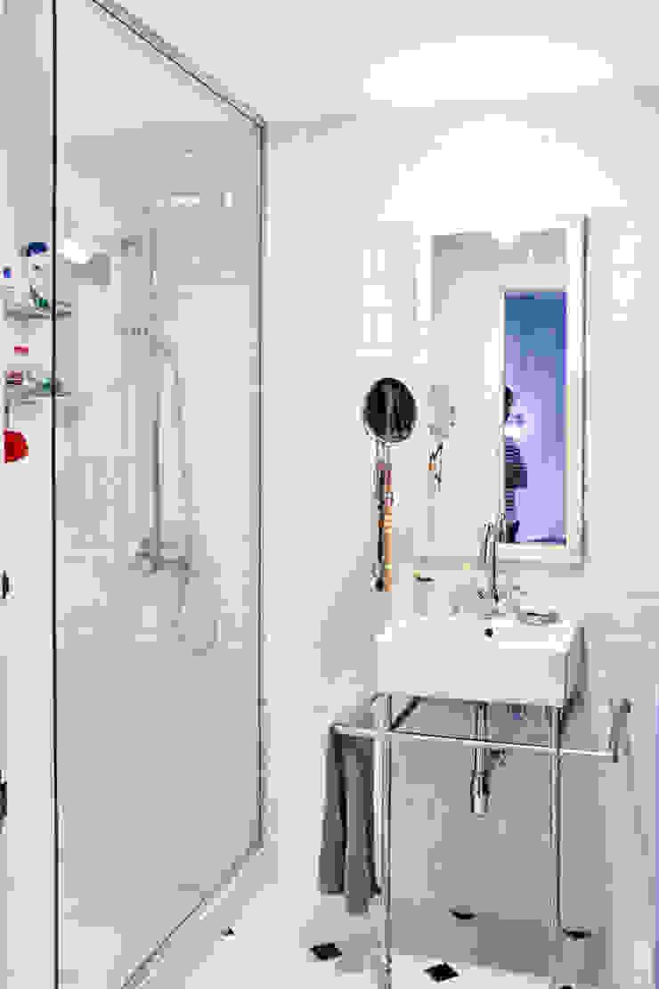 Klassische Badezimmer von decoraCCion Klassisch