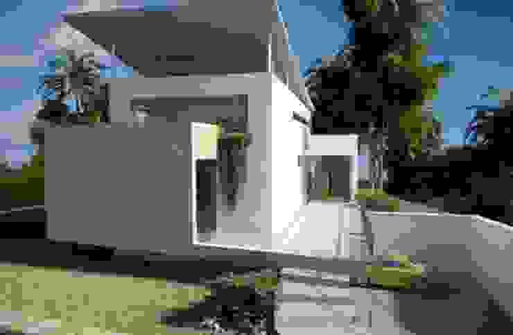 Casa en Brasil Casas de estilo moderno de Alia B Designs Moderno