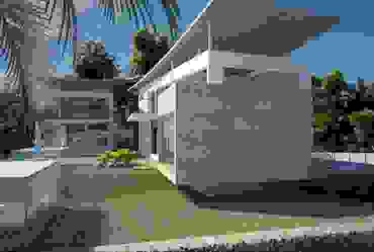 Casa familiar Casas de estilo moderno de Alia B Designs Moderno