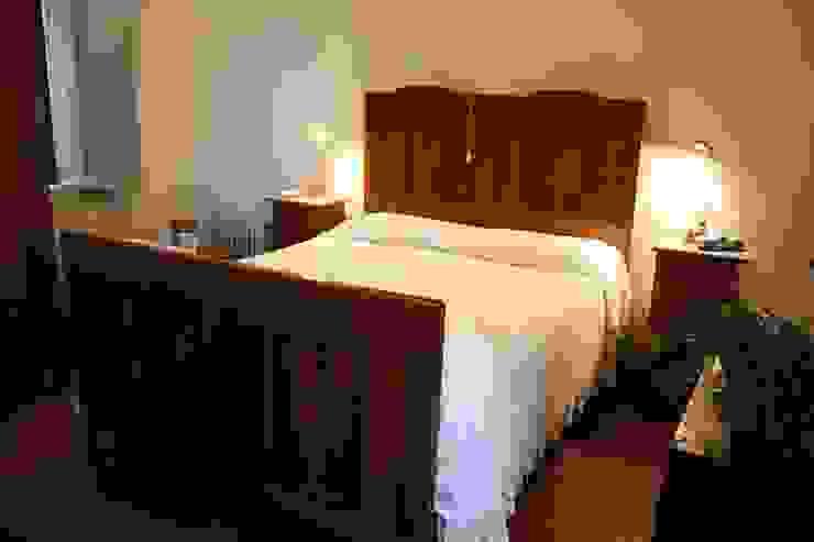 camera da letto Camera da letto in stile classico di Serena Barison Architetto Classico