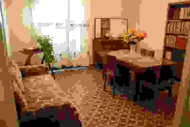 sala da pranzo Sala da pranzo in stile classico di Serena Barison Architetto Classico