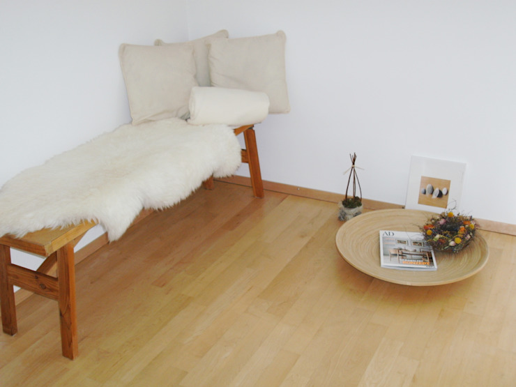 스칸디나비아 거실 by Münchner home staging Agentur GESCHKA 북유럽