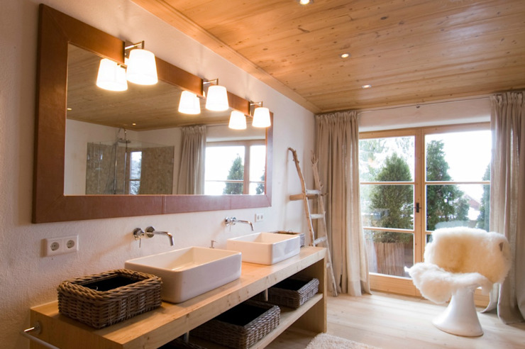 Country style bathrooms by Raumkonzepte Peter Buchberger Country