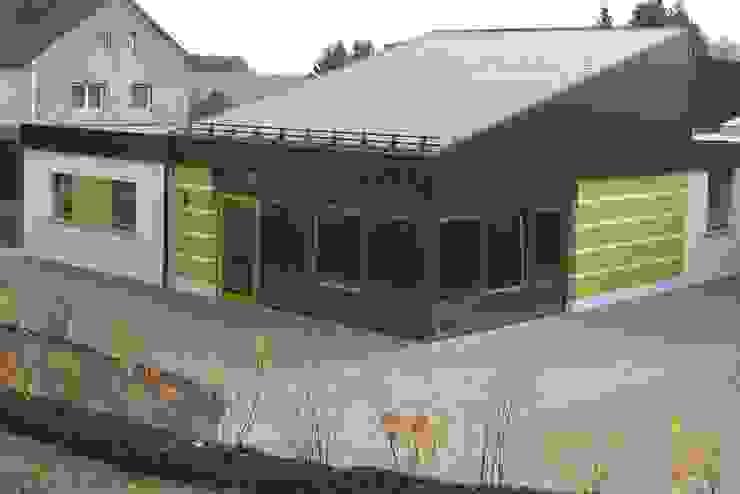 Erweiterung Kindertagesstätte | L Moderne Häuser von Architekturbüro HOFFMANN Modern