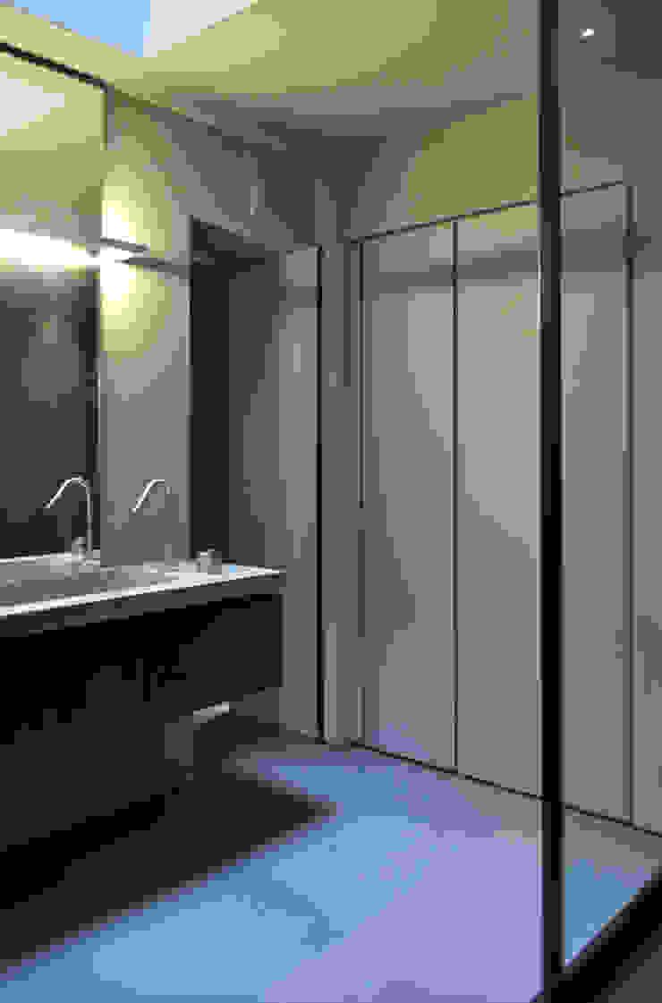 Modern bathroom by Studio di Architettura Rosso19 Modern
