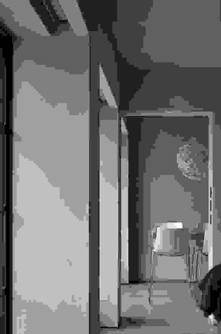 Flat Renovation di Studio di Architettura Rosso19 Moderno