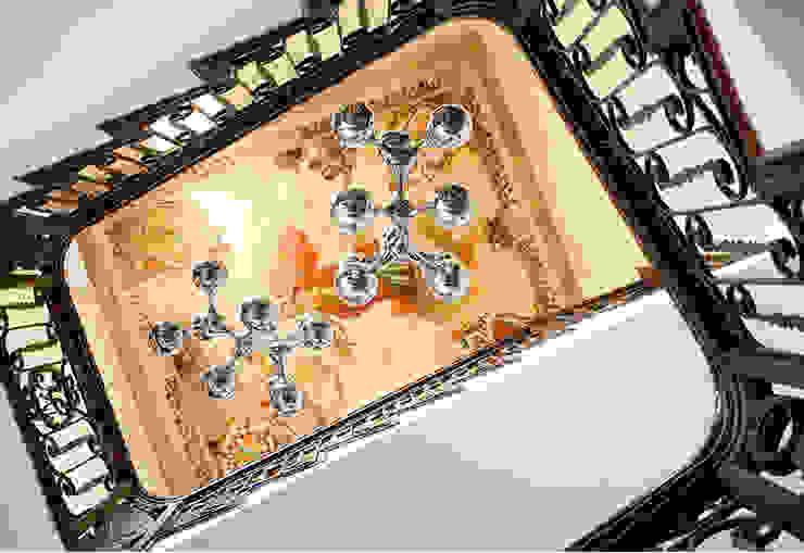 Vicalhome Pasillos, vestíbulos y escaleras de estilo clásico de Quino Prades Clásico