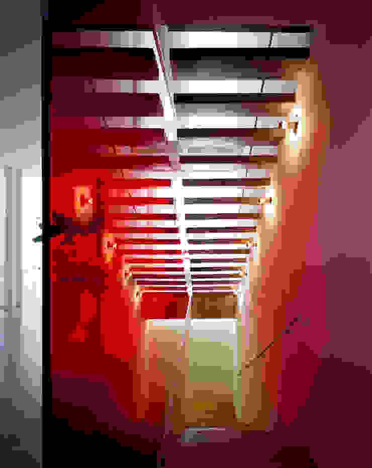 Pasillos, vestíbulos y escaleras de Buratti + Battiston Architects