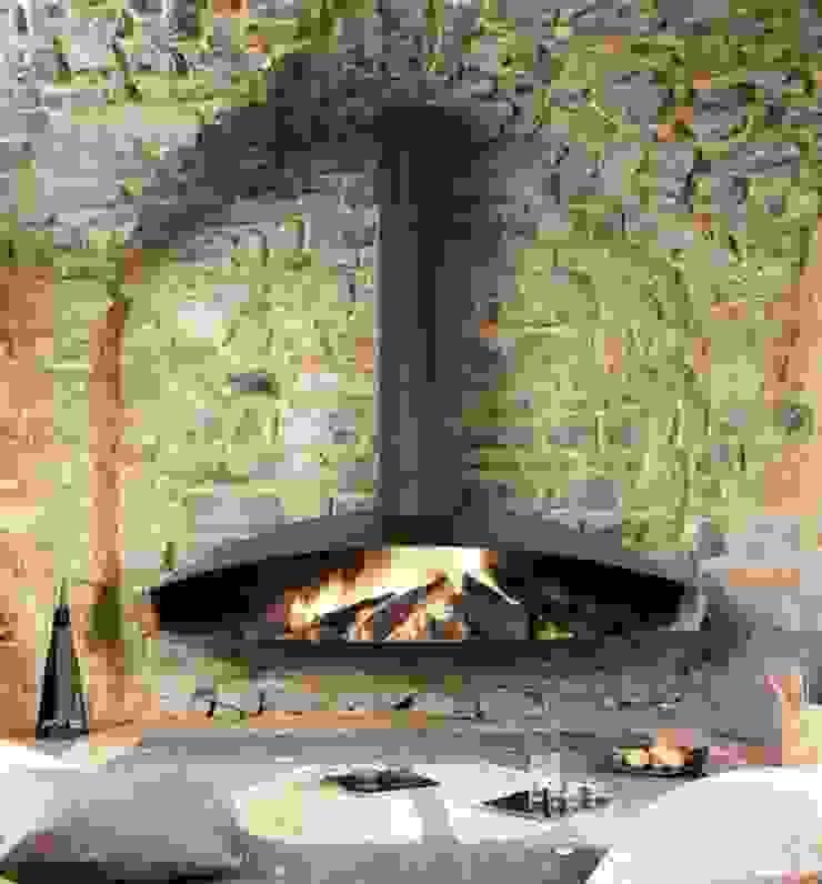 Antefocus Wall Mounted Fire: modern  by Diligence International Ltd, Modern