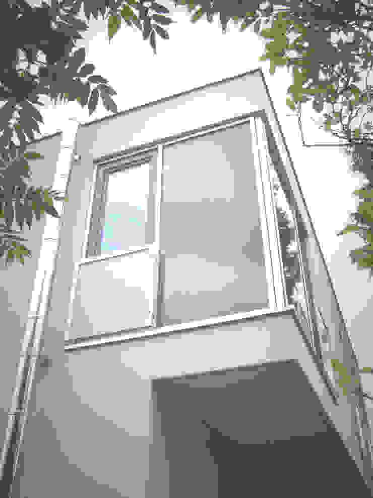 Casas de estilo moderno de zymara und loitzenbauer architekten bda Moderno