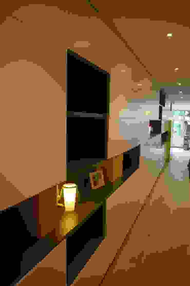 Moderne Wohnzimmer von Albasini y Berkhout Arquitectura, S.L.P. Modern