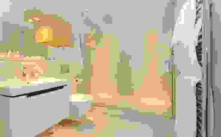 Frameless glass screen for walk in shower Ion Glass Modern bathroom