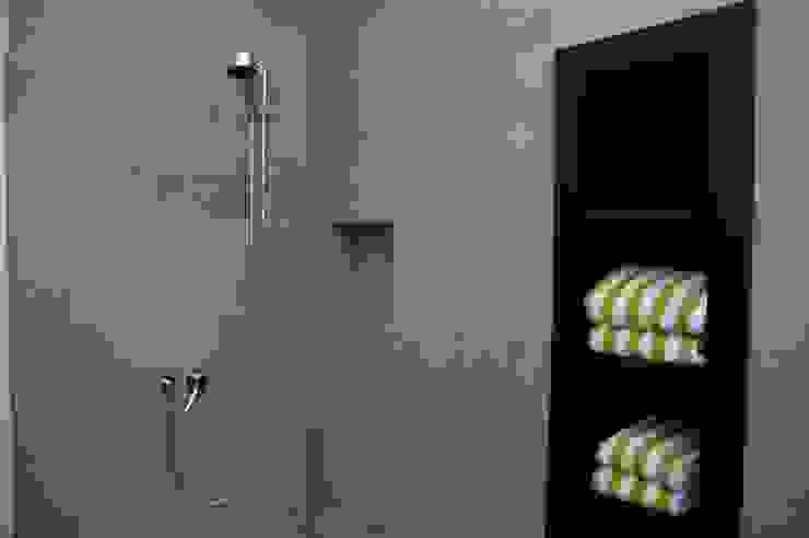 Bathroom by zymara und loitzenbauer architekten bda