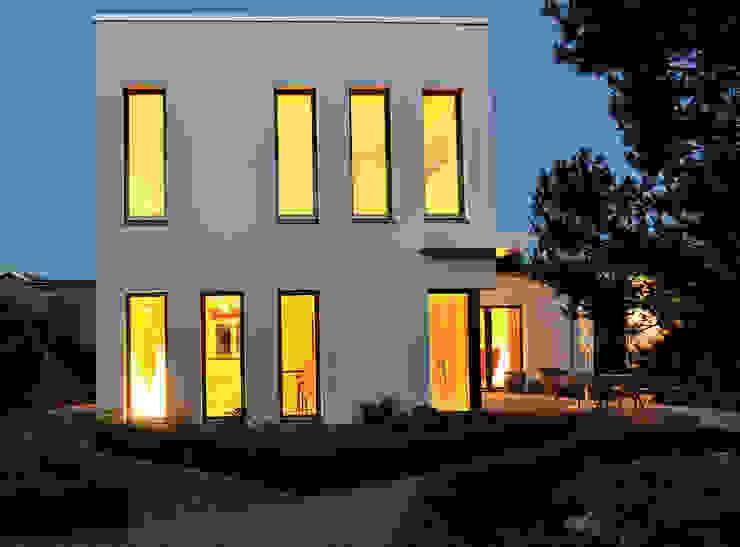 Case moderne di zymara und loitzenbauer architekten bda Moderno