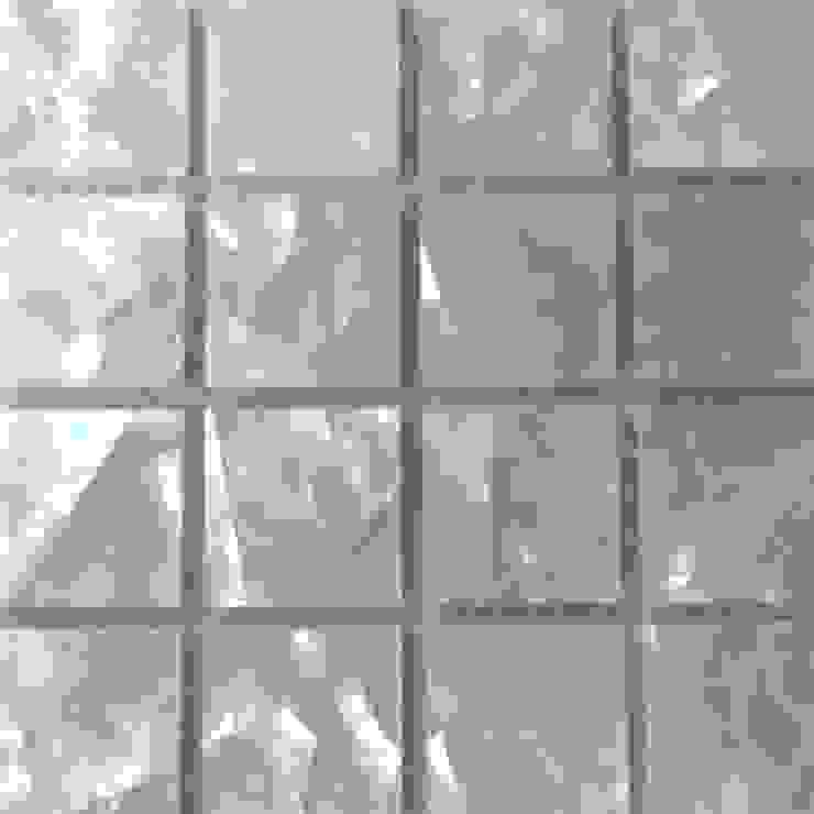 White Lip Crackle Mother of Pearl Mesh-Joint tile de ShellShock Designs Moderno
