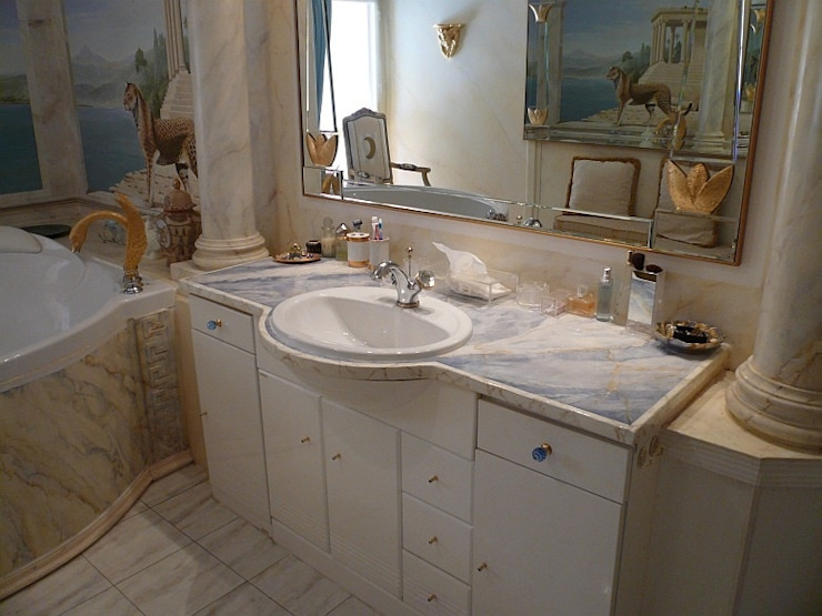 Illusionen mit Farbe Mediterranean style bathrooms