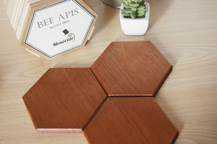 Bee Apis, wooden tiles for wall decor di Monoculo Design Studio Eclettico