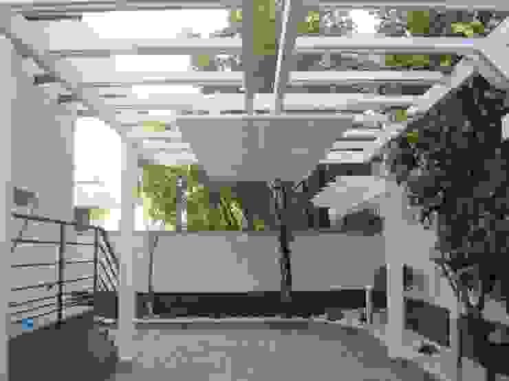 Varandas, marquises e terraços modernos por RicreArt - Italmaxitetto Moderno