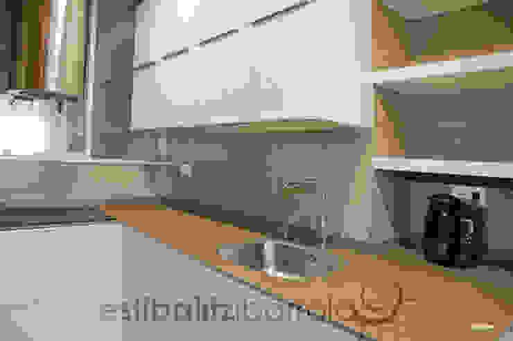 現代廚房設計點子、靈感&圖片 根據 ESTIBALITZ IBARROLA 現代風