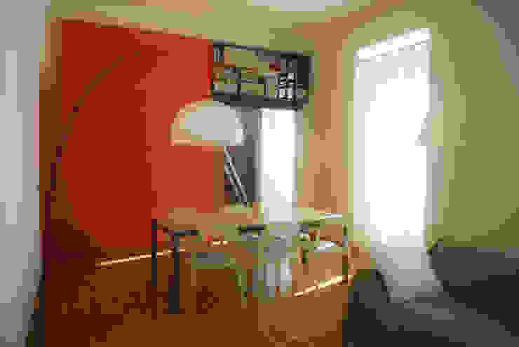 Fotografie di un appartamento privato in Roma Sala da pranzo moderna di LuVi ph Moderno