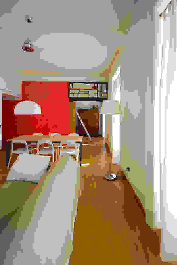 Fotografie di un appartamento privato in Roma Soggiorno moderno di LuVi ph Moderno