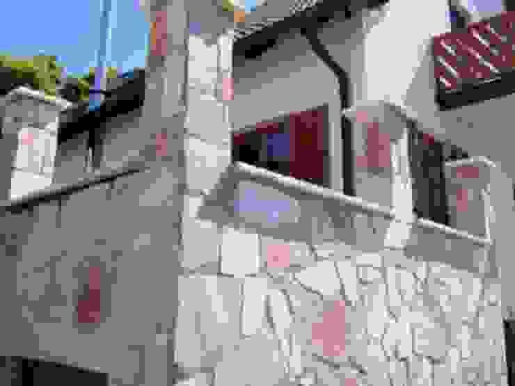 Fassade aus Naturstein Moderne Häuser von Mosaikdesigns Modern