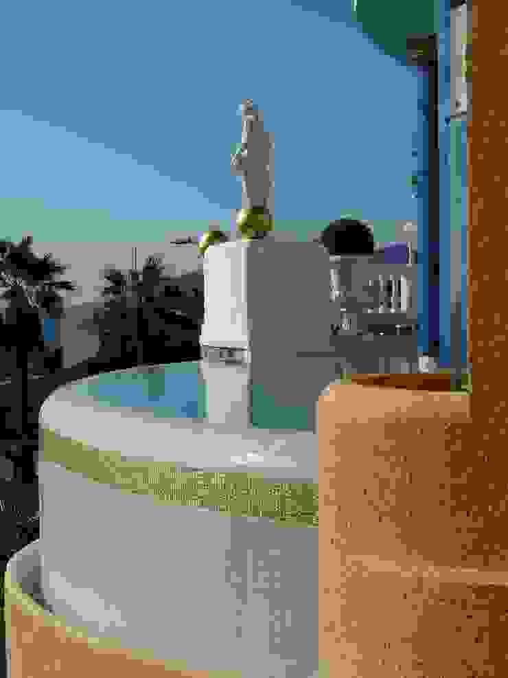 Blattvergoldungen Mediterraner Balkon, Veranda & Terrasse von Illusionen mit Farbe Mediterran
