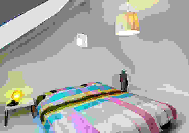 Dachloft Moderne Schlafzimmer von Lichters Living Modern