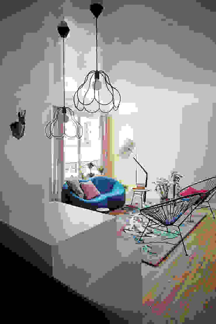 THE TRUE WOLF WEARS HIS FUR INSIDE Marcante-Testa Living room design ideas