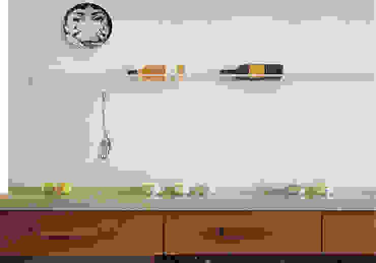 MOROZZO APARTMENT Kitchen Cucina moderna di FTA Filippo Taidelli Architetto Moderno
