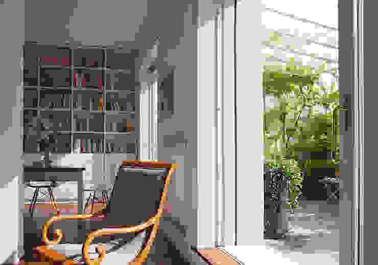 MOROZZO APARTMENT Living room Soggiorno moderno di FTA Filippo Taidelli Architetto Moderno