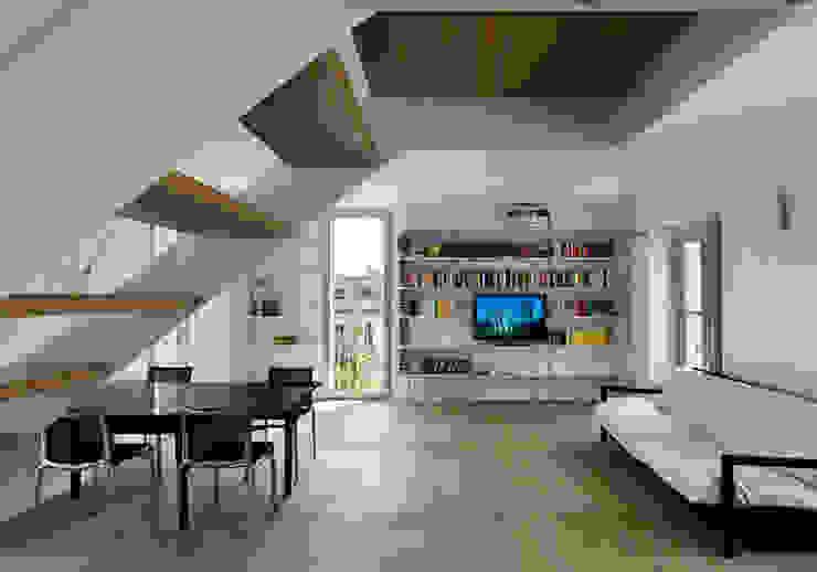 ZENALE DUPLEX Living room Soggiorno moderno di FTA Filippo Taidelli Architetto Moderno