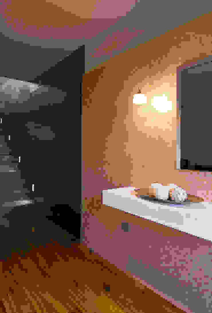 Corredores, halls e escadas modernos por AZ Diseño Moderno