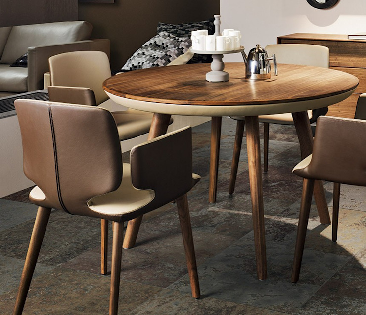 Flaye Round Table por Wharfside Furniture Moderno