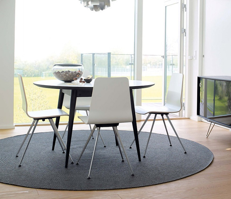 Retro Corian Dining Table di Wharfside Furniture Moderno