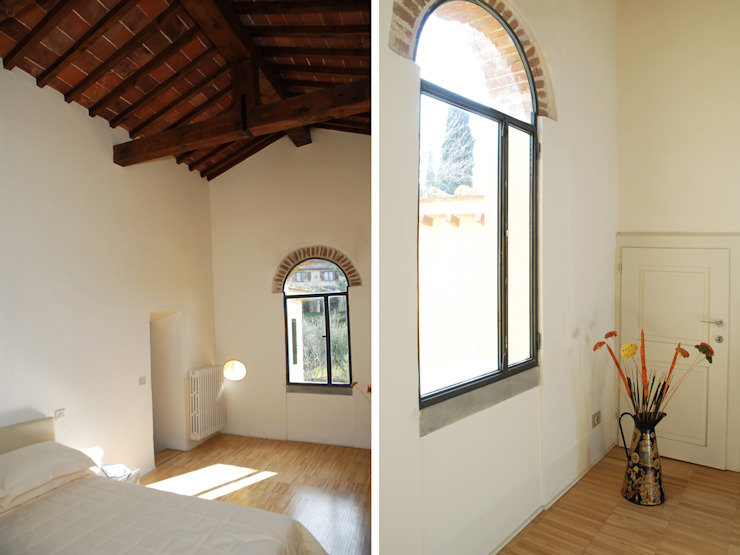 Camera Ingresso, Corridoio & Scale in stile rustico di OPERASTUDIO Rustico