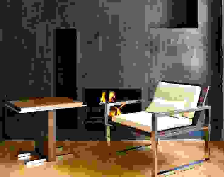 Butaca y mesa Otto de Ines Benavides Moderno