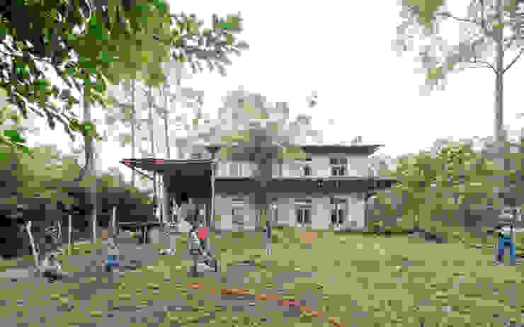 Montessori_Imagen 3 Escuelas de estilo rústico de Komoni Arquitectos Rústico