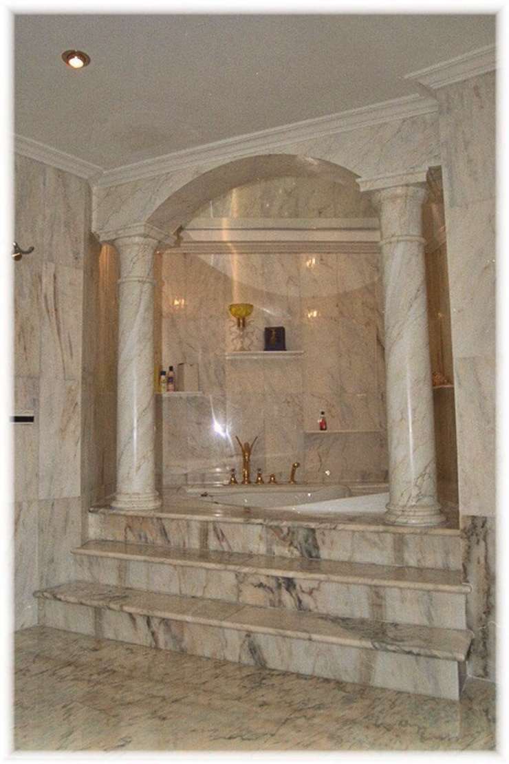 Rundbogen mit Säulen in Estremoz Creme bemalt Illusionen mit Farbe Flur, Diele & TreppenhausAccessoires und Dekoration